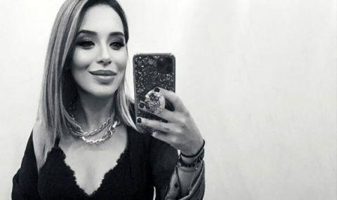 Голямата дъщеря на Христо Стоичков захвърли дрехите в спалнята