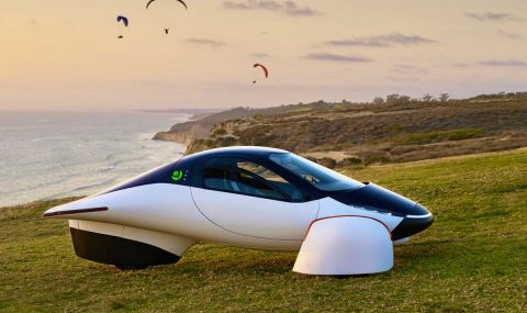 Електрическа кола на слънчеви батерии с автономен пробег... 1 600 км (ВИДЕО)