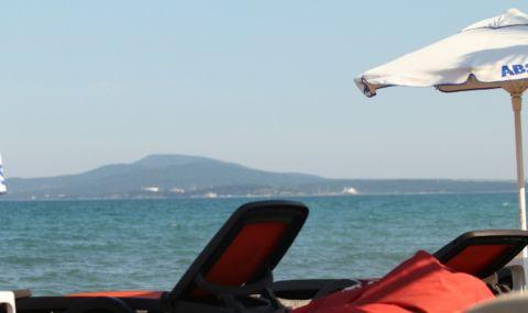 Отпуск: Чиновници в паника от метлата