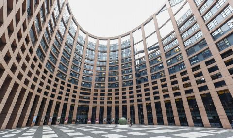 ЕС с нов модел за подкрепа на демокрацията в Русия - 1