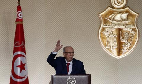 Почина президентът на Тунис (СНИМКИ)
