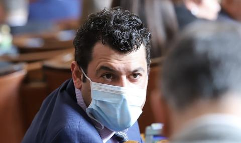 Будинов: Провалени политици подкрепят Радев и протестите