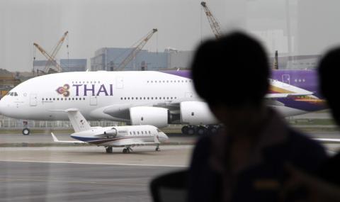 Най-големият самолет кацна аварийно в Истанбул