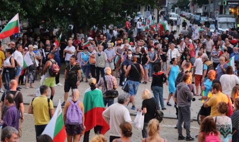 Двадесет и шести ден барикади в София, блокирани са 3 ключови точки