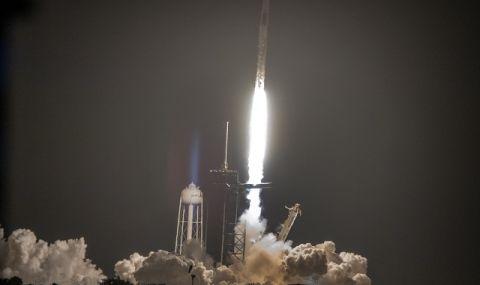 """""""Спейс екс"""" изстреля третия си екипаж към МКС (ВИДЕО)"""