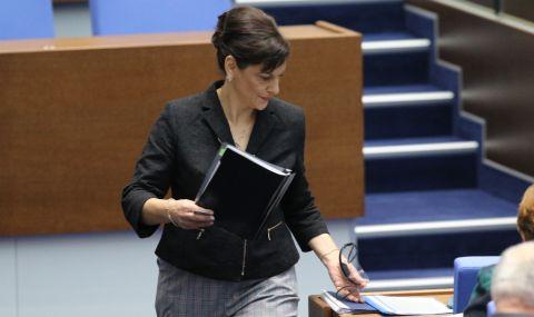 Дариткова: Неприемливо е да се променя Изборния кодекс преди вота
