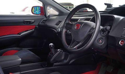 Тази Honda Civic Type R се продава за над 200 хиляди лева - 5