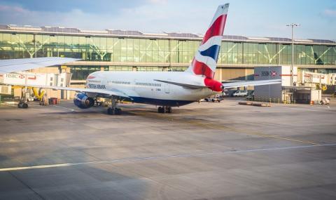 Отменена е забраната за полети от и до Великобритания