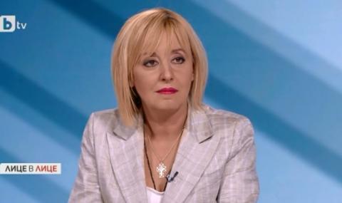 Манолова: Срещата с майките в парламента беше случайна
