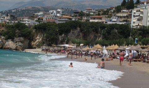 Албания разчиства своите плажове