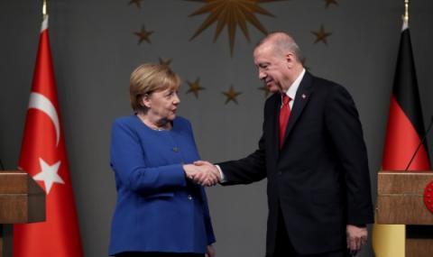 Меркел разговаря с Ердоган