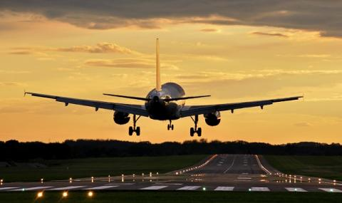 Извънредно положение в Сирия! Пътнически самолет кацна аварийно в руска база