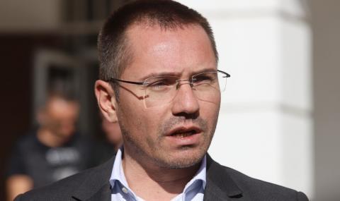 Ангел Джамбазки без книжка за 1 година. 1000 лв. глоба плаща