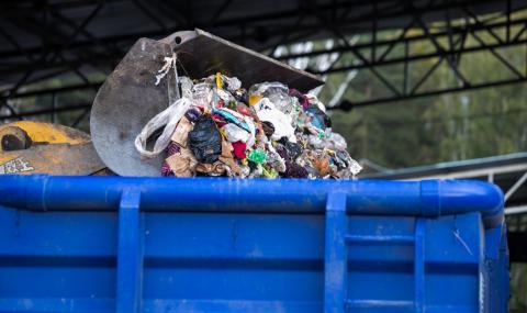 Малайзия върна на Великобритания контейнери с отпадъци