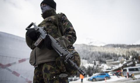 Швейцария: Болниците са на предела, армията е в готовност
