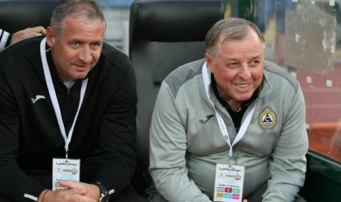 Документи бавят назначаването на новия треньор на Славия
