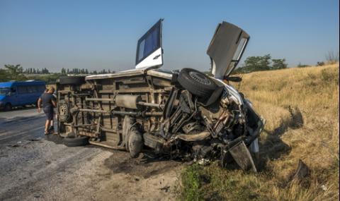 Автобус се преобърна на магистрала в Италия