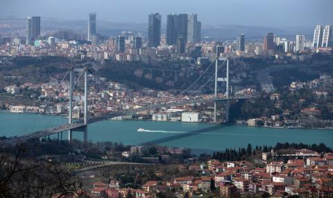 Масови проверки в Турция! Полицията е по улиците и спира всеки, който...