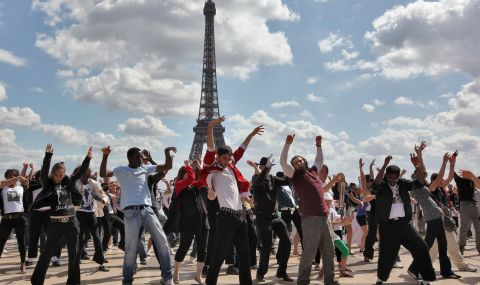 Проучват тайни партита, в които участвали френски министри