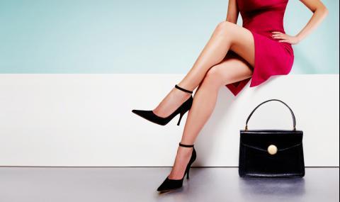 Вредно ли е да си кръстосваме краката при сядане?