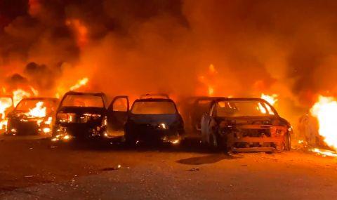 Изгоряха 40 коли, подготвени за продажба (ВИДЕО) - 1