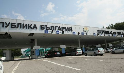"""Задава се ремонт на """"Калотина"""", махат 16 сгради и съоръжения  - 1"""