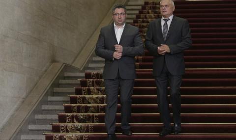 Радев: Ние си подадохме оставките, капитанът решава
