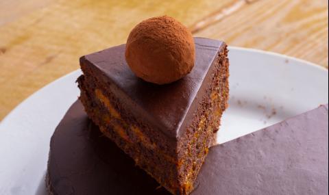 Рецепта на деня: Торта без брашно, без яйца и без печене