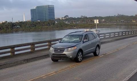 Hyundai Santa Fe прескочи подвижен мост като по филмите (ВИДЕО)