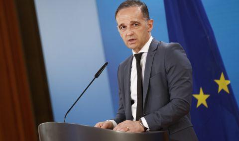 Германия няма да преразглежда диалога с Русия