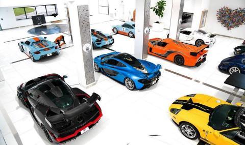 Видео на най-впечатляващата колекция от суперавтомобили и ретро коли