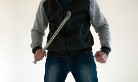 Бракониери пребиха мъж след забележка в Димитровградско