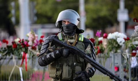 """Лукашенко заплаши, че """"до дни"""" ще реши проблема с протестите"""
