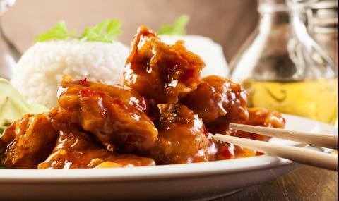 Рецепта за вечеря: Панирано пиле в сладко-кисел сос