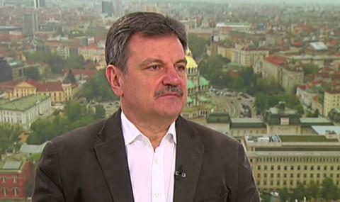 Д-р Симидчиев: Маските забавят с 30 % скоростта на пандемията