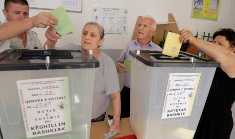 """Албания: Мъж влезе да гласува с """"Калашников"""""""