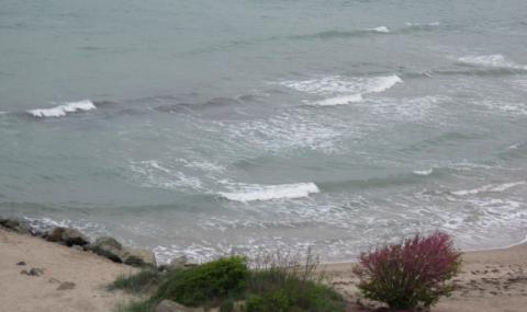 Мъж се удави пред очите на туристи край Ахтопол