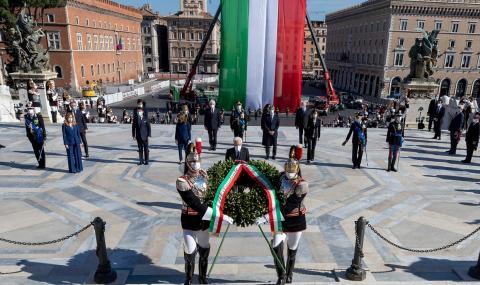 Италия: Солидарност и човечност във време на криза