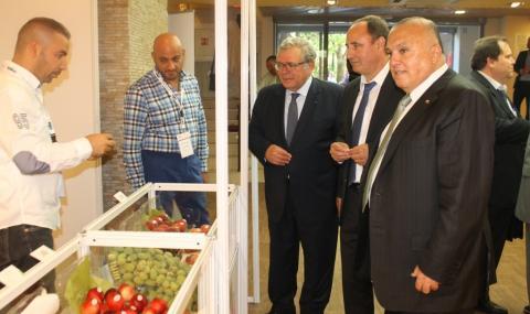 Ливан представя плодове и зеленчуци в София