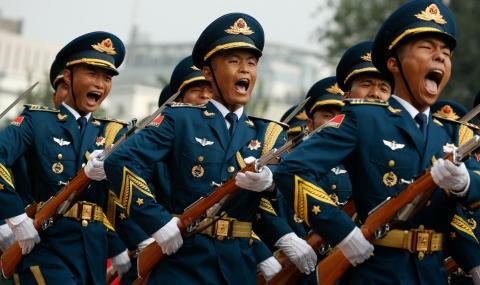 Най-голямата армия готви невиждан парад