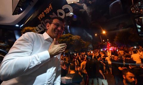 Няма връщане назад! Новият кмет на Истанбул влезе в офиса