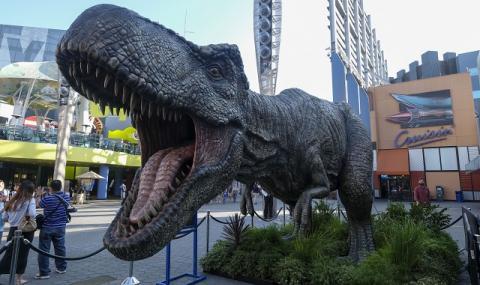 Подивели динозаври отвяха конкуренцията (ВИДЕО)