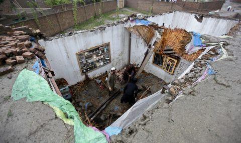 Проливни дъждове в Пакистан взеха жертви