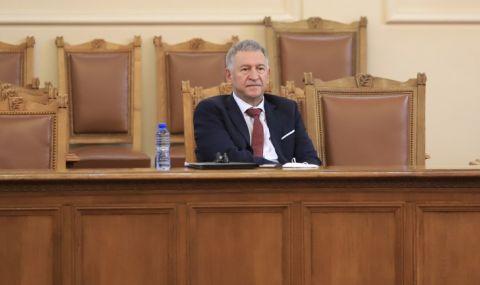 ВМРО сезира РЗИ, иска глоба за Кацаров, бил без маска в НС - 1