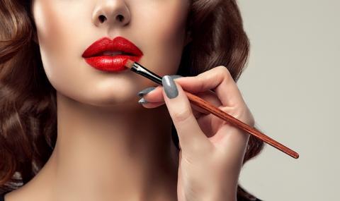 """""""Телешките"""" устни са най-горещата мода тази година (СНИМКИ+ВИДЕО)"""