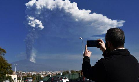 Вулканът Етна изригна зрелищно и засипа селища с пепел (ВИДЕО)