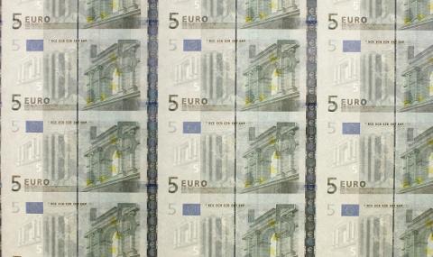 Финансова секира от гръцките банкомати