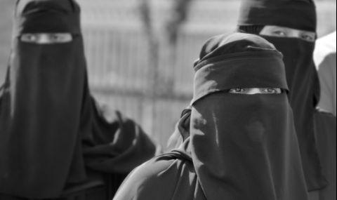 Британските спецчасти избягали от Афганистан, облечени като набожни жени - 1