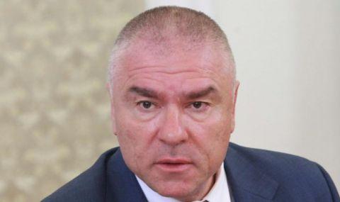 Марешки нападна Дончева: Нямаше да е в депутатските листи, а още не се е отказала