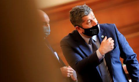 Христо Иванов: Не може един премиер повече от година да се крие